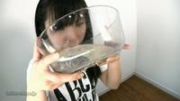 フェチ:閲覧注意!自分の浣腸糞汁強制一気飲み