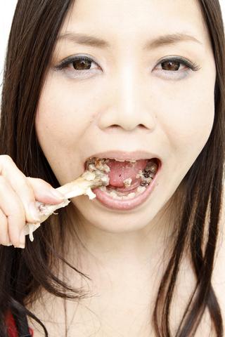 肉食系咀嚼美女