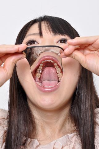 美女ゆまチャンの歯観察フェチ映像 データ画像集33枚収録