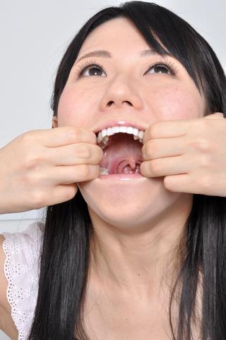 荒木まい のどちんこ 舌圧子