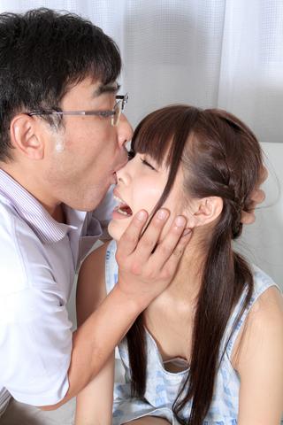 キュートガール夏樹【鼻観察からの鼻舐め】